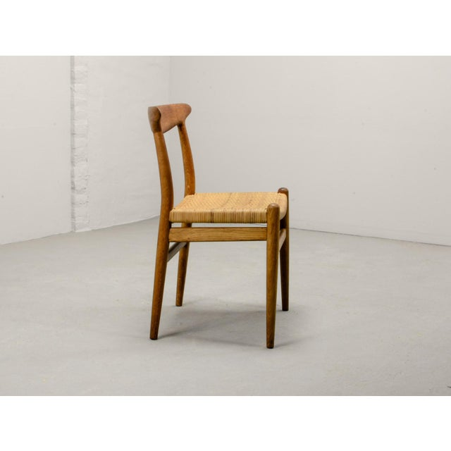 Danish Modern Mid-Century Oakwood and Woven Cane Side Chair W2 by Hans J. Wegner for c.m. Madsen, 1953 For Sale - Image 3 of 11