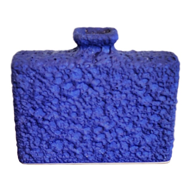 Silberdistel Keramik Chimney Vase in Yves Klein Blue 7/18 For Sale
