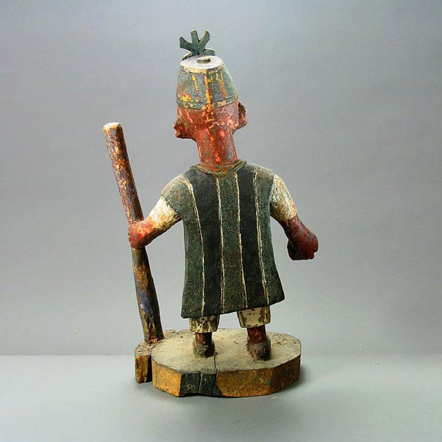 African Yoruba Polychrome Sculpture of an Oba For Sale - Image 3 of 5