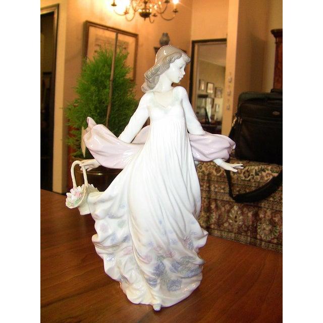 Lladro Spanish Porcelain Figurine of Spring Splendor (Retired) For Sale - Image 9 of 13