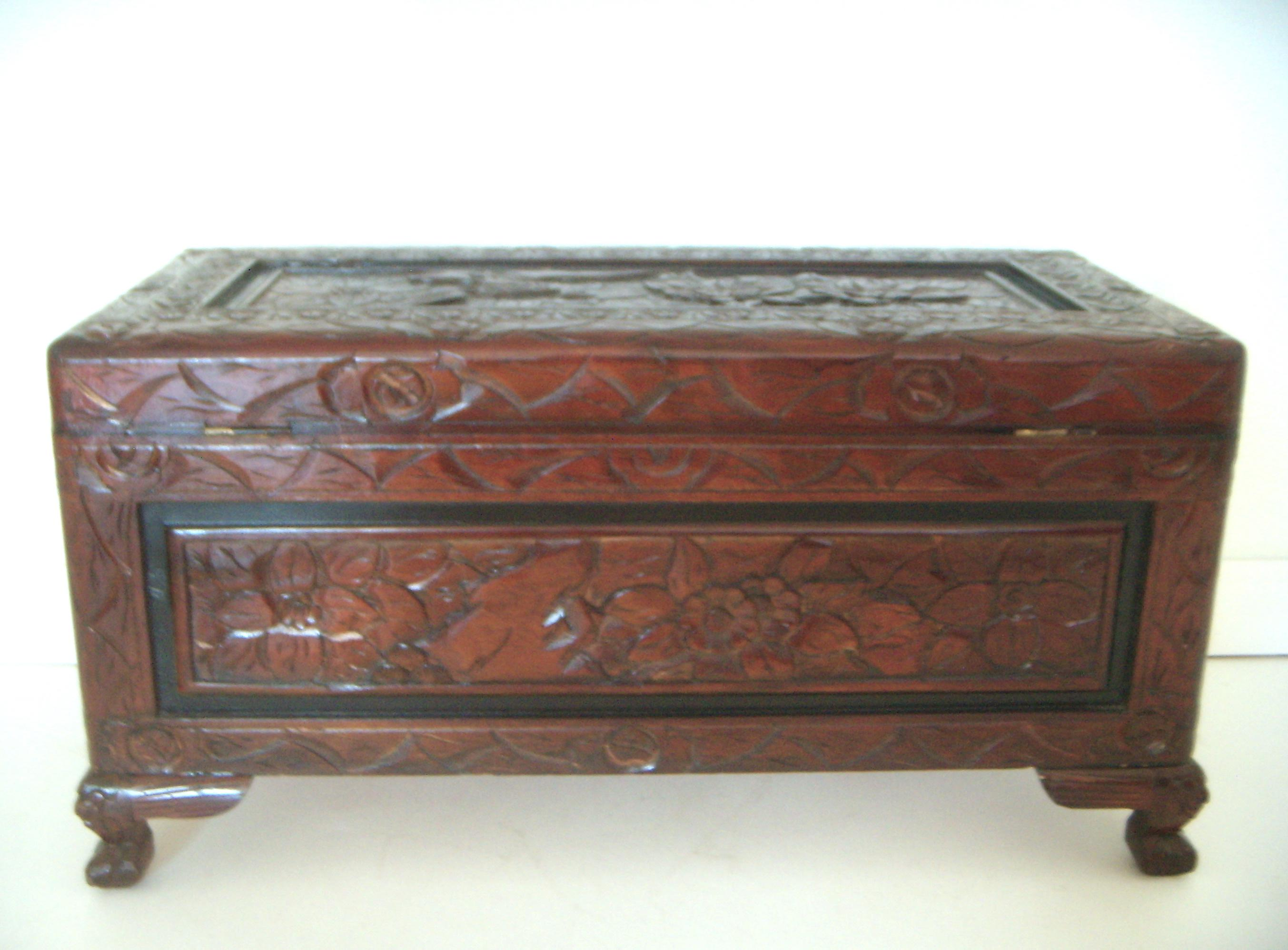 Asian Vintage Chinese Hand Carved Wood Storage Trunk / Blanket Chest For  Sale   Image 3