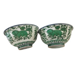 Famille Verte Porcelain Foo Dogs Bowls Pair For Sale