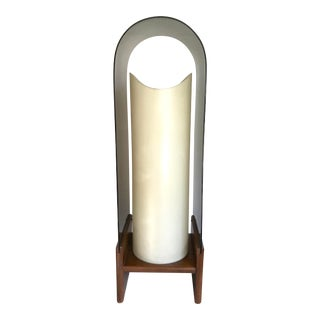 1960s Vintage Modeline Co. Inc Wood and Lucite Lamp For Sale