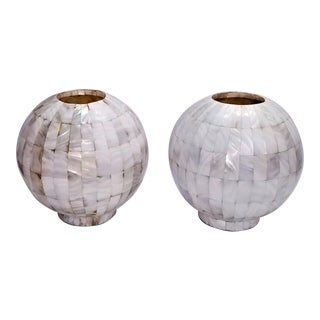 Pair of Vintage Mother of Pearl Mid Century Modern Table Lamps - Hollywood Regency Art Deco Boho Chic Tropical Coastal Shell MCM Palm Beach Tree For Sale