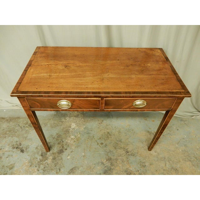 English Traditional Elegant English Side Table For Sale - Image 3 of 7