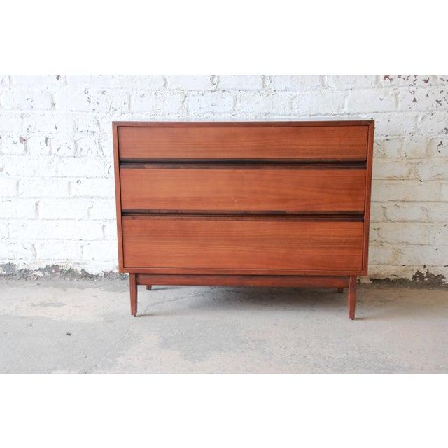 Kipp Stewart for Calvin Furniture Mid-Century Modern Walnut Bachelor Chest, 1950s For Sale - Image 12 of 12