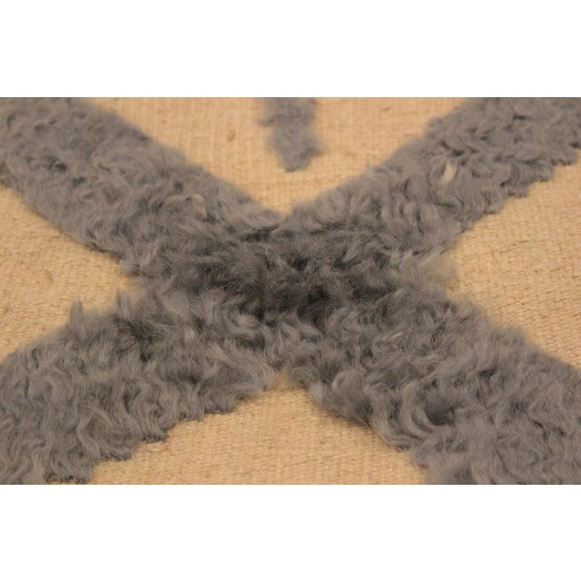 Textile Moroccan High-Low Pile Arya Tammera Ivory/Blue Wool Rug -8'1 X 10'9 For Sale - Image 7 of 8