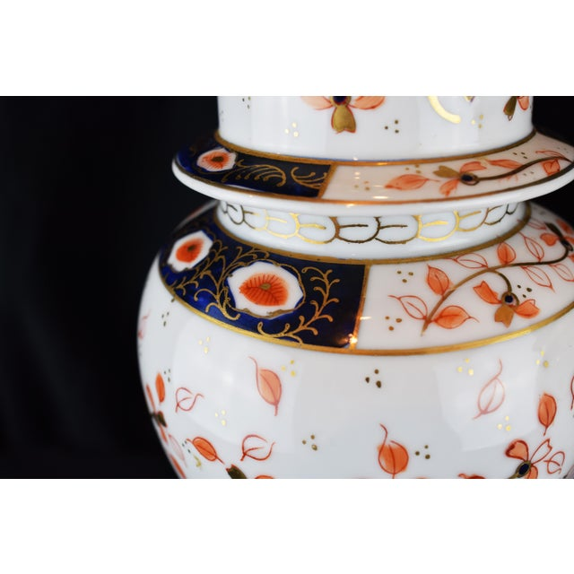 English Traditional 19th Century English Traditional Imari-Style Lamps - a Pair For Sale - Image 3 of 6