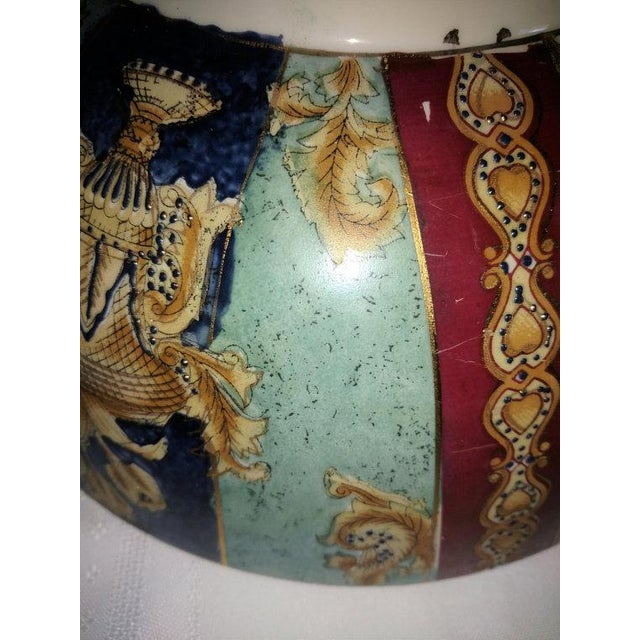 Chinese Export Hand Painted Enamel Porcelain Bowl For Sale - Image 4 of 7