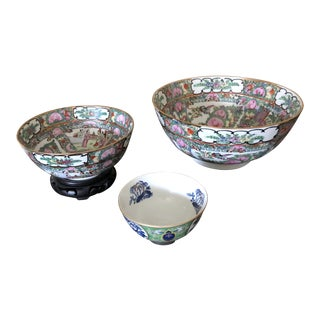 Vintage Chinoiserie Bowls - Set of 3 For Sale