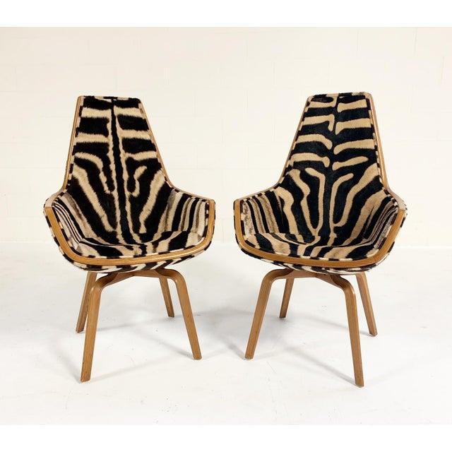 Arne Jacobsen Rare Arne Jacobsen for Fritz Hansen Giraffe Chairs Restored in Zebra Hide - Pair For Sale - Image 4 of 11