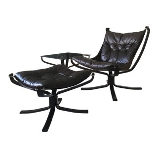 1970s Mid-Century Modern Sigurd Reseell Falcon Chair and Ottoman W/Glass Top Table For Sale