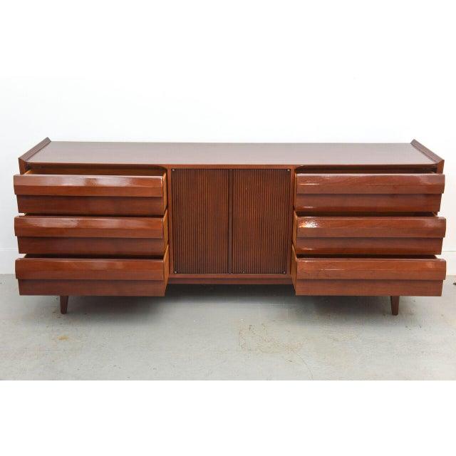 Lane Mahogany Dresser, 1960s For Sale In Miami - Image 6 of 8