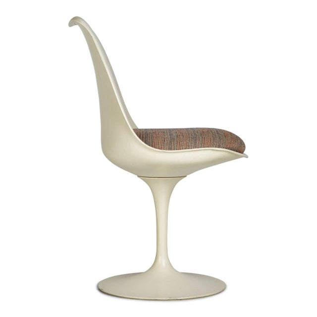 1970s Eero Saarinen His and Hers Tulip Chairs for Knoll International - a Pair For Sale In Los Angeles - Image 6 of 11