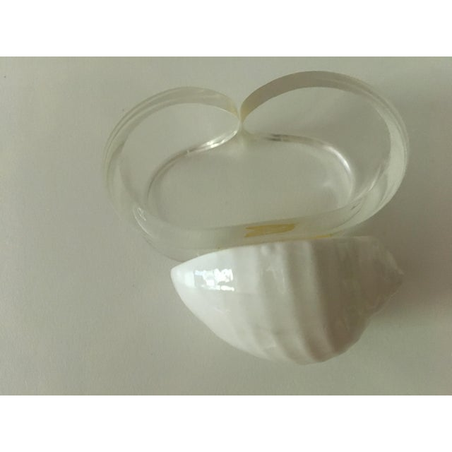 1980's Hollywood Chic White Bone China & Lucite Sea Shell Napkin Rings - Set of 4 For Sale - Image 10 of 12
