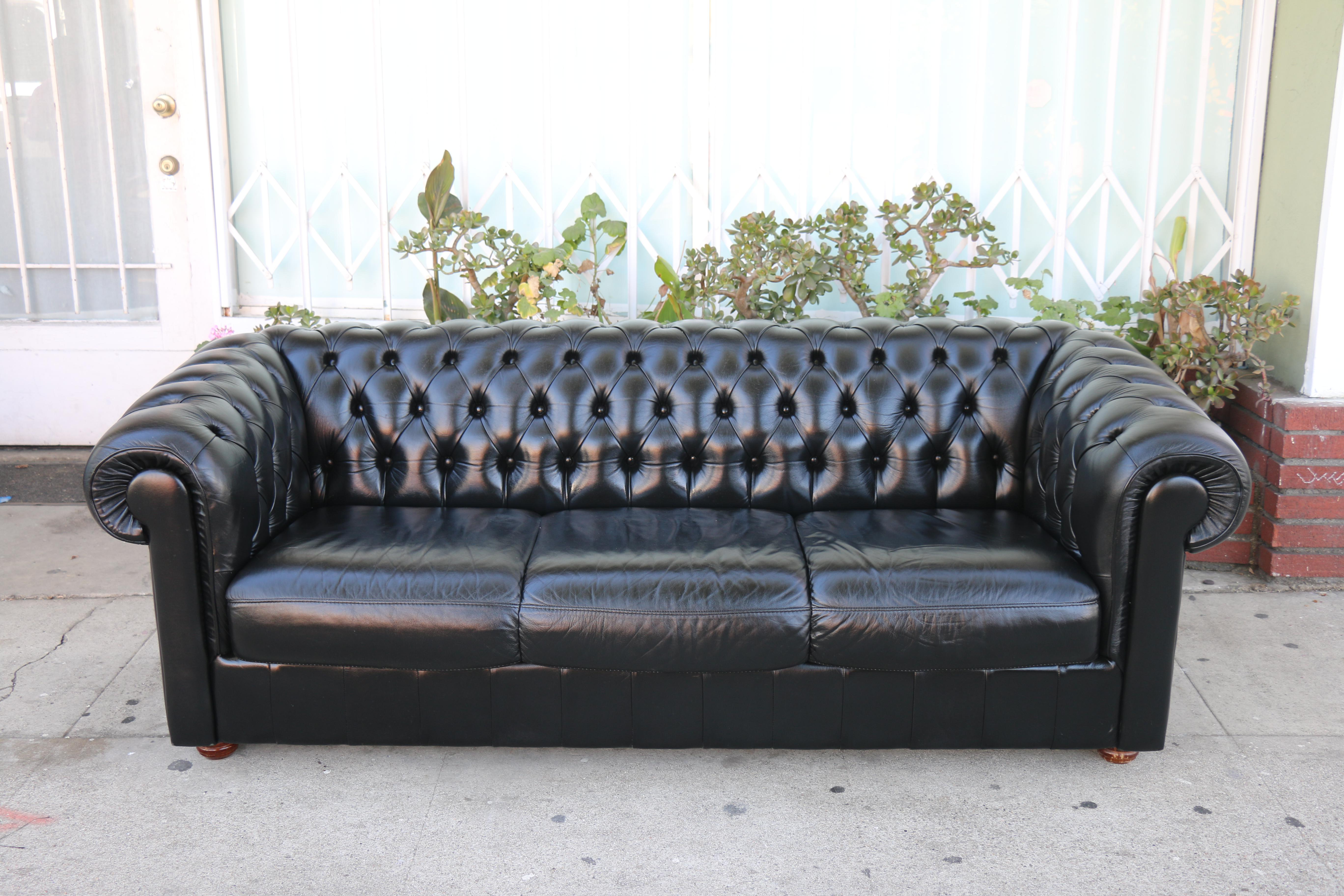 Black Tufted Chesterfield Sofa   Image 2 Of 12