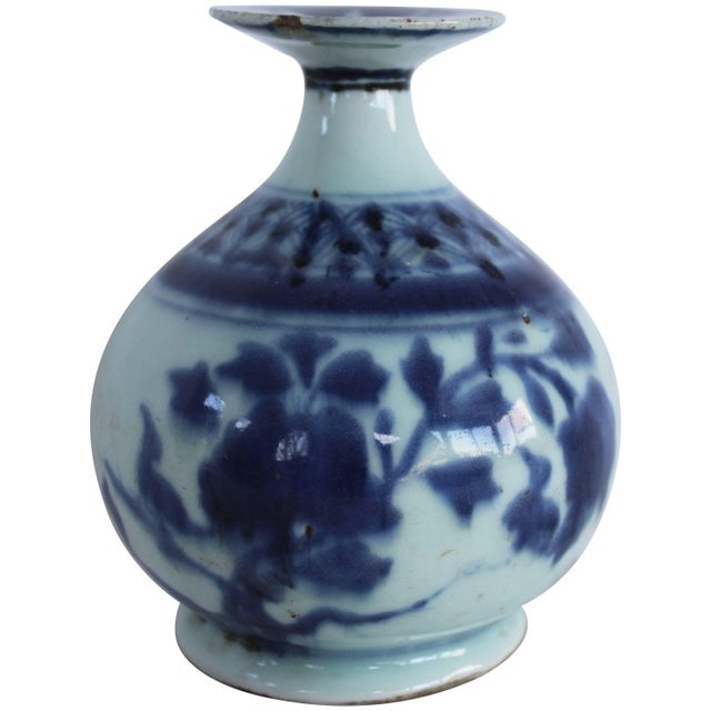 White Chinese Blue and White Ceramic Bud Vase For Sale - Image 8 of 8