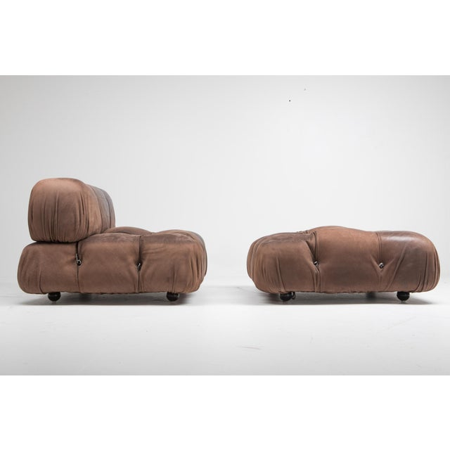 Mario Bellini pair of 'Camaleonda' lounge chairs with ottoman in original brown buffalo leather, B&B Italia, 1970s These...