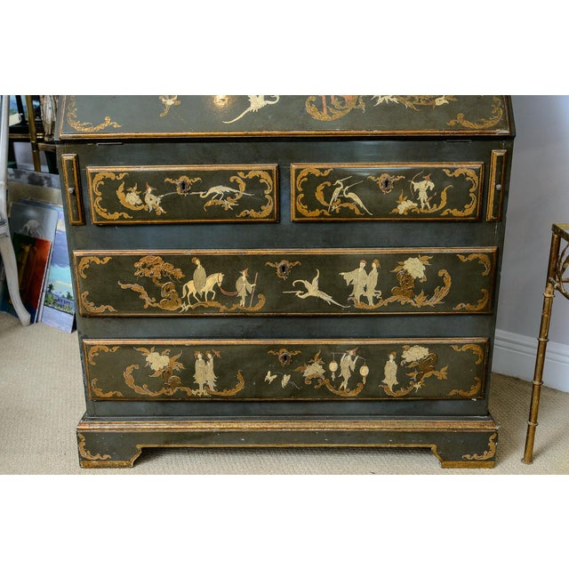 Chinoiserie Chippendale Hunter Green & Gold Hand Painted For Sale - Image 9 of 13