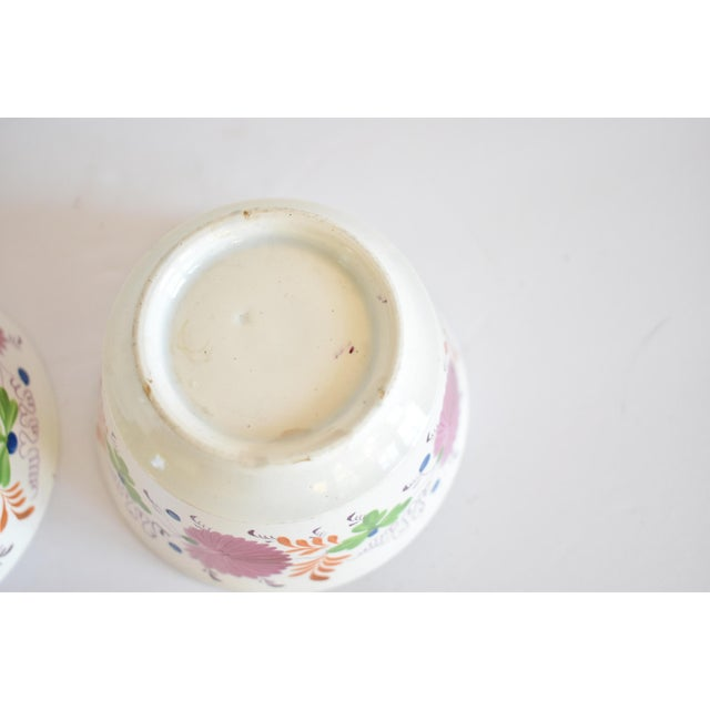 Antique C. 1810-1820 Pink Luster Staffordshire Creamware Tea Bowls - a Pair For Sale - Image 9 of 13