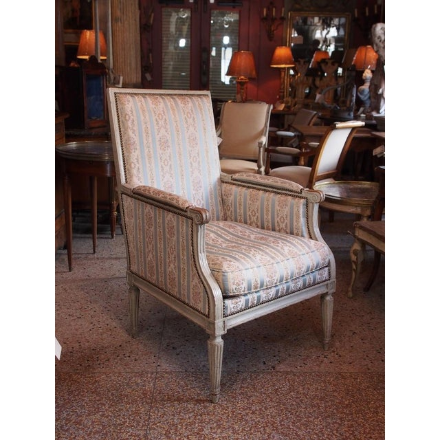 Louis XVI French Painted Bergere For Sale - Image 4 of 8