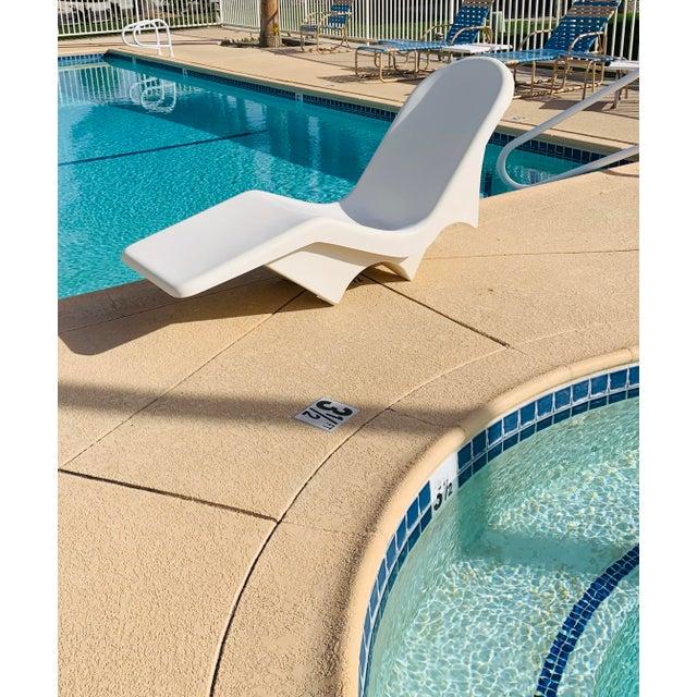 Mid-Century Fibrella Fiberglass Pool Sun Chaise Lounge by Le Barron For Sale - Image 10 of 12