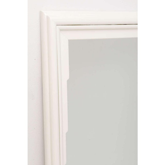 Dorothy Draper Markdown - Dorothy Draper Hollywood Regency Art Deco White Lacquer Mirror For Sale - Image 4 of 11