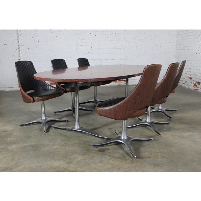 Mid-Century Dinette Set With Aluminum Base - Image 4 of 11
