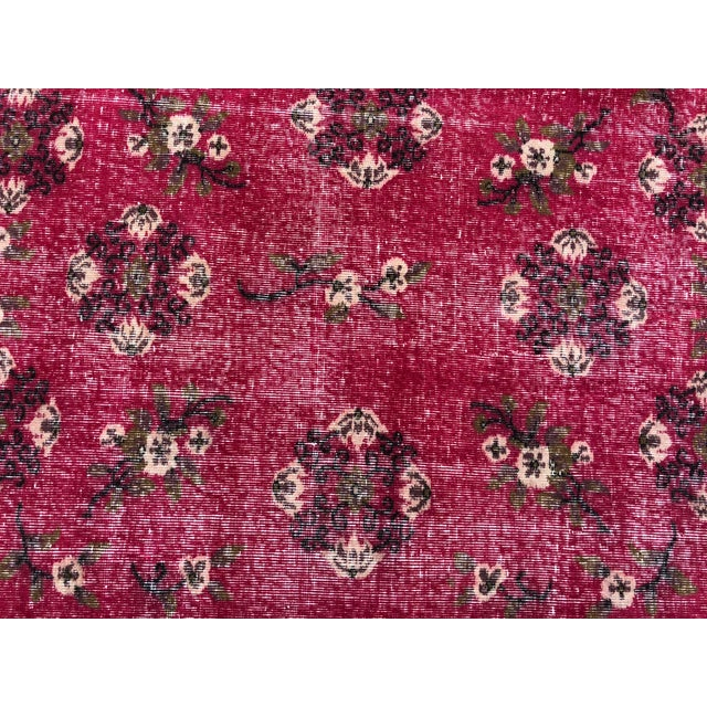 1960s Vintage Turkish Oushak Hand-Knotted Rug - 5′2″ × 8′2″ For Sale - Image 9 of 11