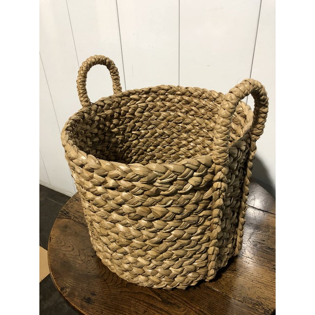 1990s Seagrass Large Basket With Handles For Sale - Image 5 of 5