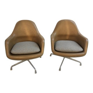 Charles and Ray Eames Fiberglass and Leather Aluminum Group Lounge Chairs - a Pair For Sale