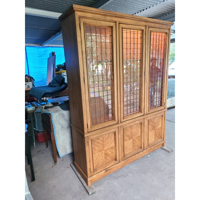 Beautiful china cabinet from the Drexel Compatica collection made in North Carolina. Drexel used a combination of of solid...