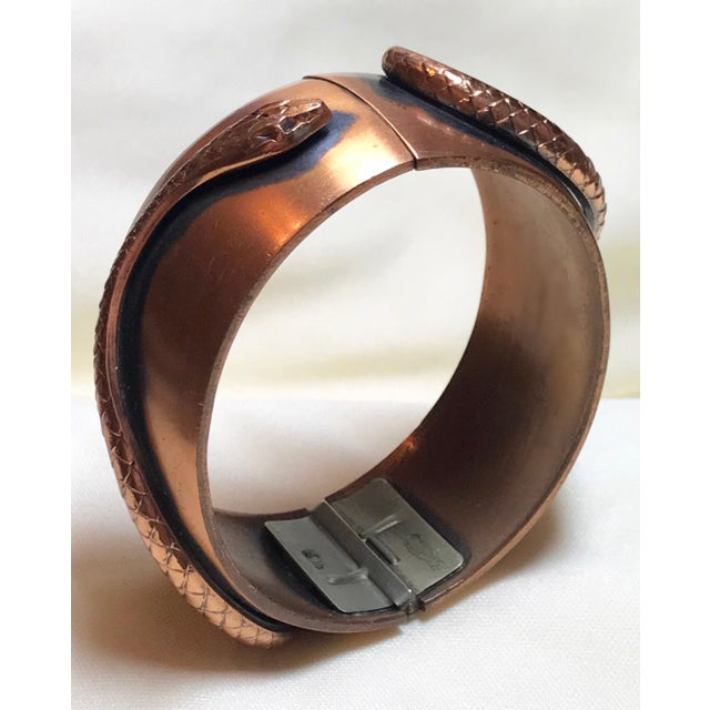Early 20th Century Whiting & Davis Mid-Century Copper Snake Hinged Bangle For Sale - Image 5 of 7