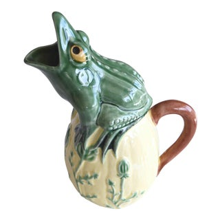 Vintage Portuguese Hand Painted Ceramic Frog Pitcher Bordallo Pinheiro Style For Sale
