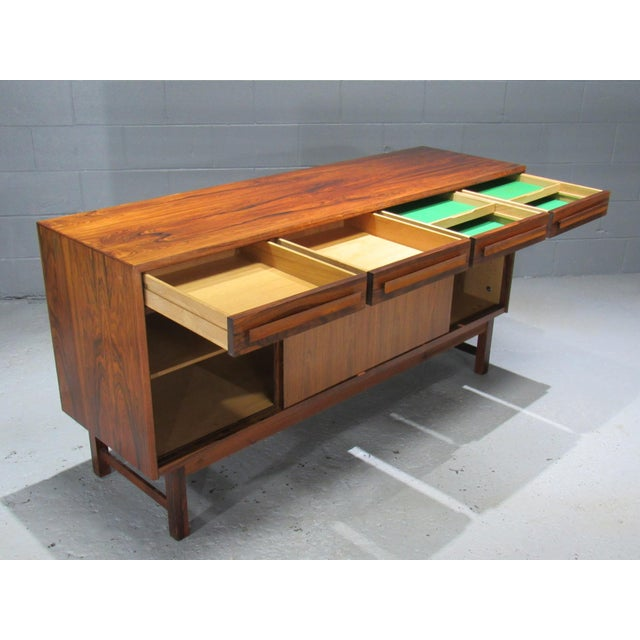 1960s 1960s Danish Modern Bordum Og Nielsen Rosewood Sideboard For Sale - Image 5 of 12