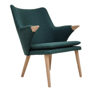 Danish Design Model Sk 2019 Classic by MoNo Creativity, Newly Produced, Wool Fabric, Oak Wood For Sale
