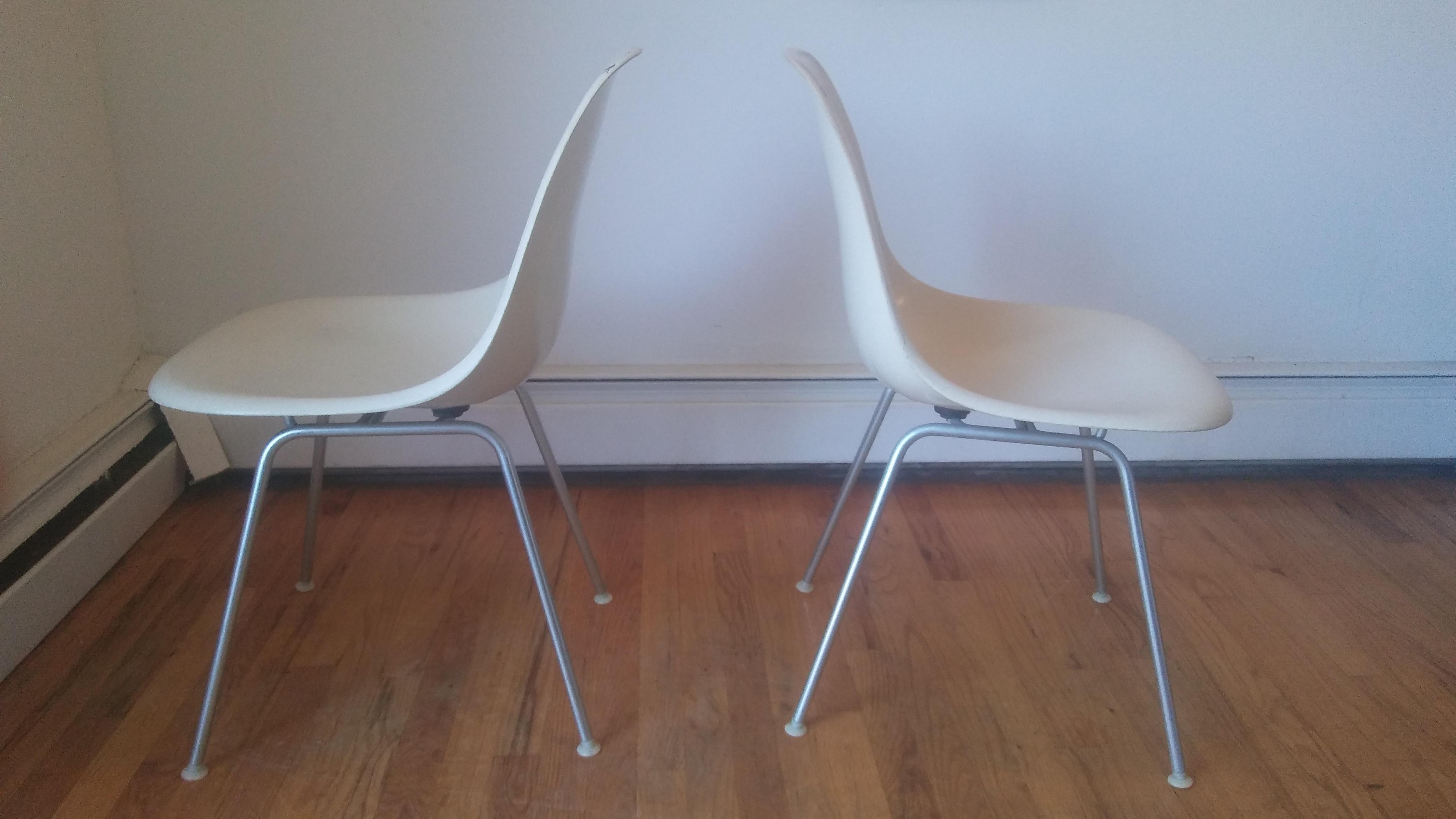 Herman Miller Herman Miller Mid Century Modern White Fiberglass Chairs   A  Pair For Sale