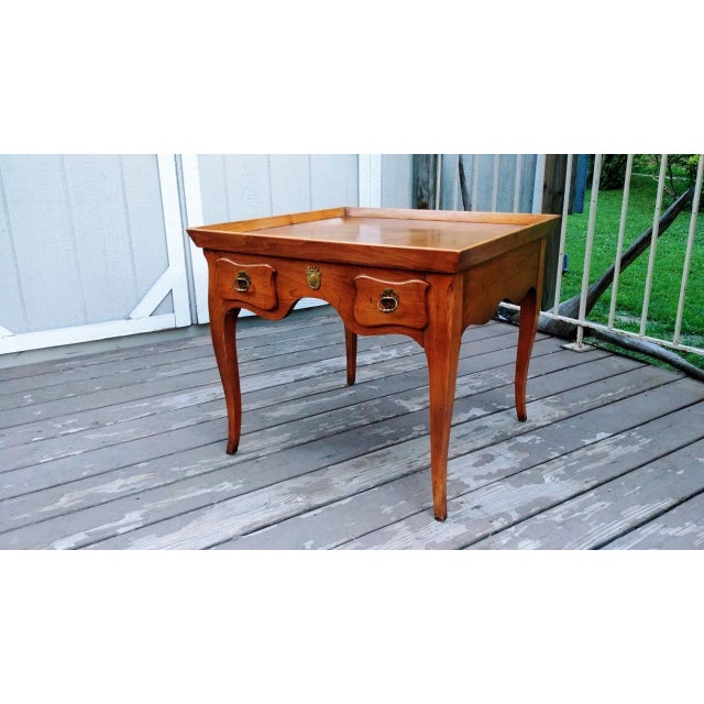 20th Century Regency Baker Furniture Milling Road One Drawer End Table For Sale - Image 13 of 13