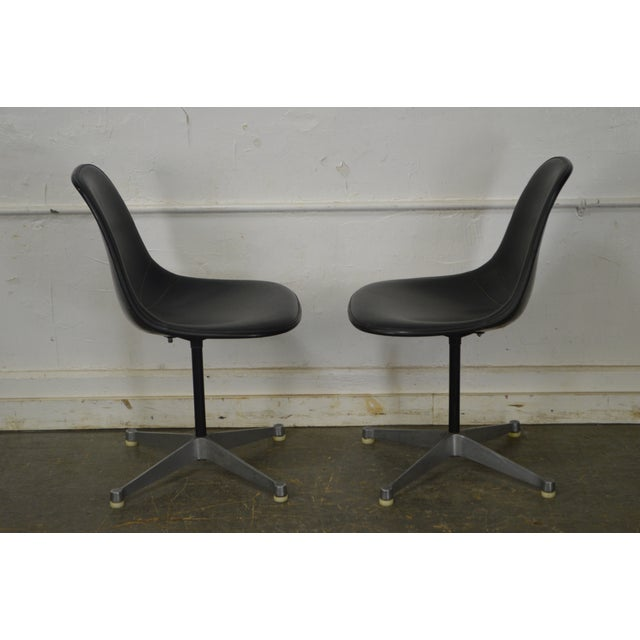 Herman Miller Set of 4 Mid Century Modern Eames PSC Chairs - Image 3 of 13