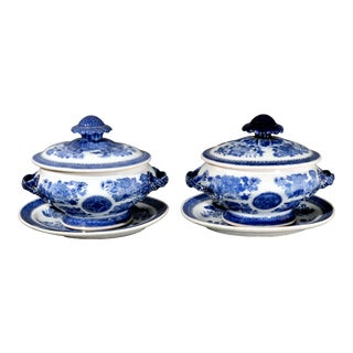Late 18th-Century Chinese Export Porcelain Blue Fitzhugh Sauce Tureens, Covers & Stands - a Pair For Sale