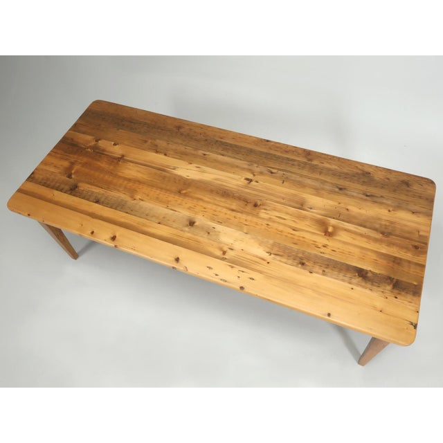 2000s English Pine Farm Table From Main Pine Company For Sale - Image 5 of 11