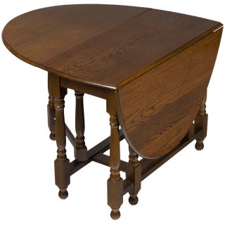 1950s English Traditional Oak Turned Gate Leg Drop Leaf Table For Sale