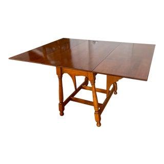 1940s Mid-Century Sprague & Carleton Solid Dark Honey Maple Drop Leaf Table For Sale