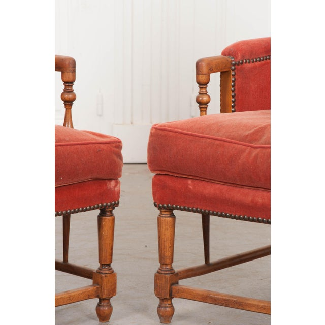 19th Century French Provincial Walnut Fauteuils - a Pair For Sale In Baton Rouge - Image 6 of 10
