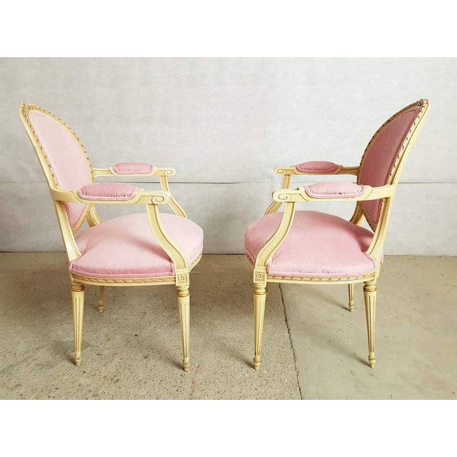 Set of 6 Antique French Louis XVI Restored in Pink Dining Chairs 2 Armchairs 4 Side Chairs For Sale In New York - Image 6 of 13