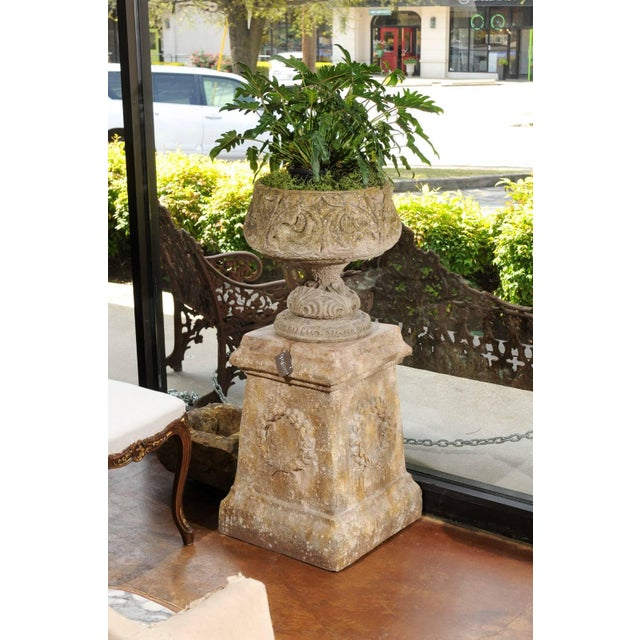 Pair of Vintage Continental Faux Stone Garden Plinths with Wreath Motifs, 1960s For Sale - Image 11 of 12
