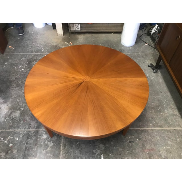 Baker Furniture Company Cherry Wood Round Coffee Table by Baker For Sale - Image 4 of 10