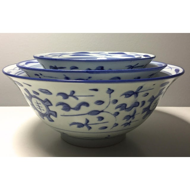 4 Vintage Chinese Blue & White Nesting Bowls - Image 6 of 7
