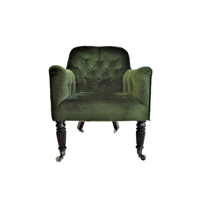 1900 - 1909 Early 20th Century English Edwardian Emerald Velvet Club Chair For Sale - Image 5 of 5