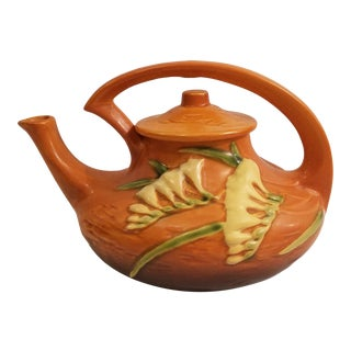 Early 20th Century Roseville Brown Freesia Teapot For Sale